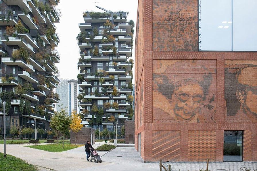 Milano: il quartiere Isola con il bosco verticale e la Casa della Memoria.  Foto di Lorenzo Palmieri