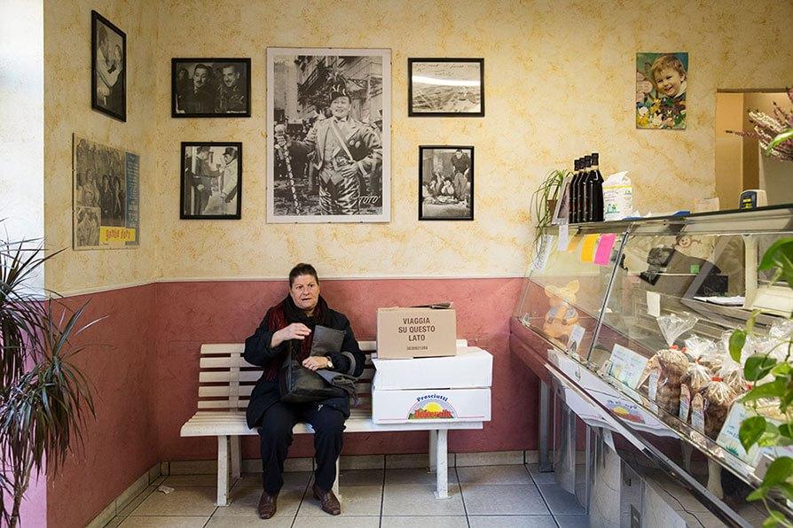 Torino: il negozio di taralli pugliesi a piazza Foroni. Foto di Lorenzo Palmieri